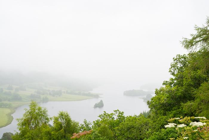 Típico clima escocés en Loch Tummel