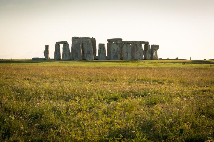Stonehenge desde la valla al atardecer