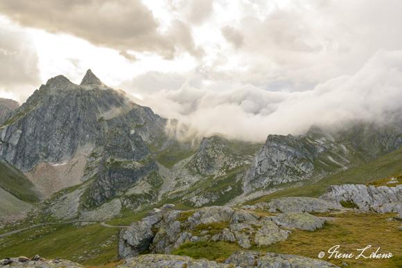 Espectacular entrada de nubes en el Col du Grand Saint Bernard
