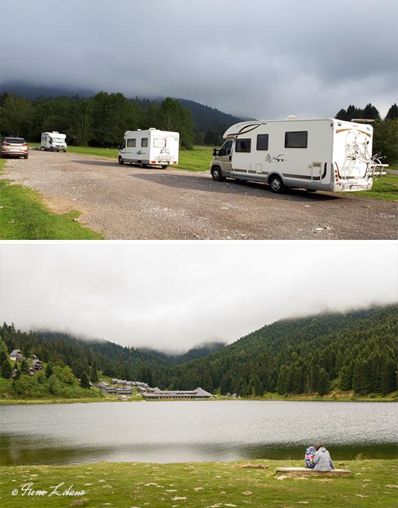 Parking a la entrada del lago Payole y vistas del lago desde la presilla