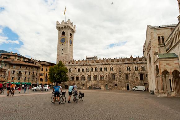 Plaza del Duomo, Trento