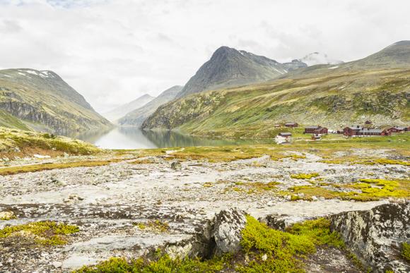 Lago Rondvatnet y los refugios