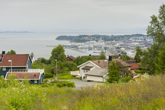 Vistas de Trondheim deesde el campo de fútbol