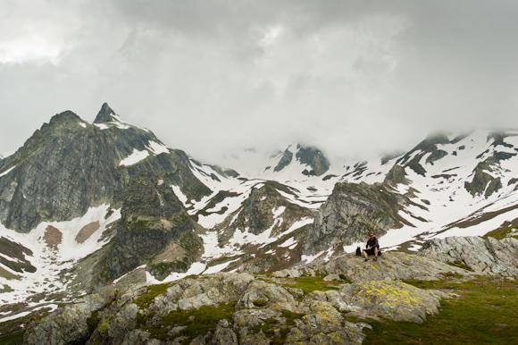 Montañas nevadas del Col du Grand Saint Bernard